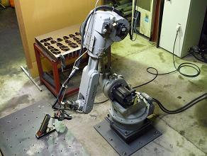 レーザー加工機&6軸垂直多関節ロボット