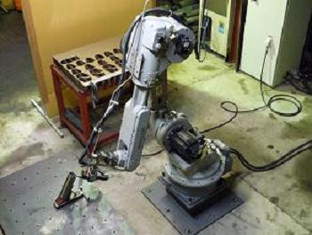 6軸多関節ロボット