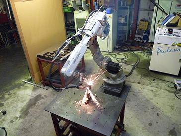 レーザ加工機+6軸多関節ロボット